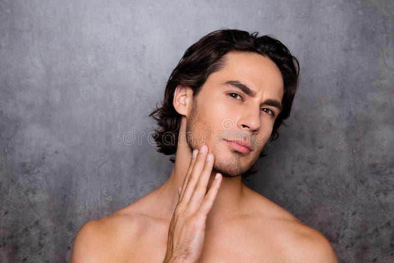 Реклама и парикмахерская, отрезок бороды и концепция дизайна clos стоковое фото rf
