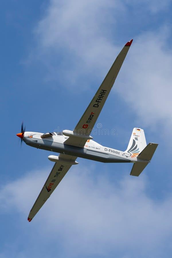Рекогносцировка большой возвышенности Grob G-520T Egrett и самолеты наблюдения D-FHHH стоковое фото