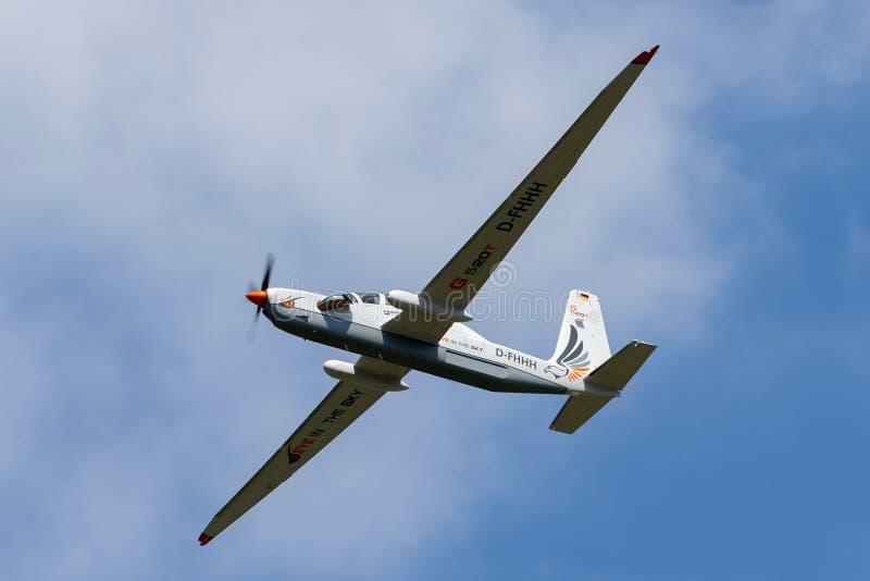 Рекогносцировка большой возвышенности Grob G-520T Egrett и самолеты наблюдения D-FHHH стоковая фотография