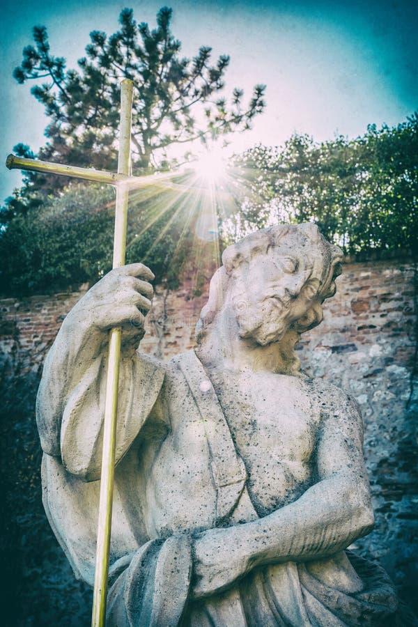 Религиозная статуя, Nitra, Словакия, сетноой-аналогов фильтр стоковое фото rf