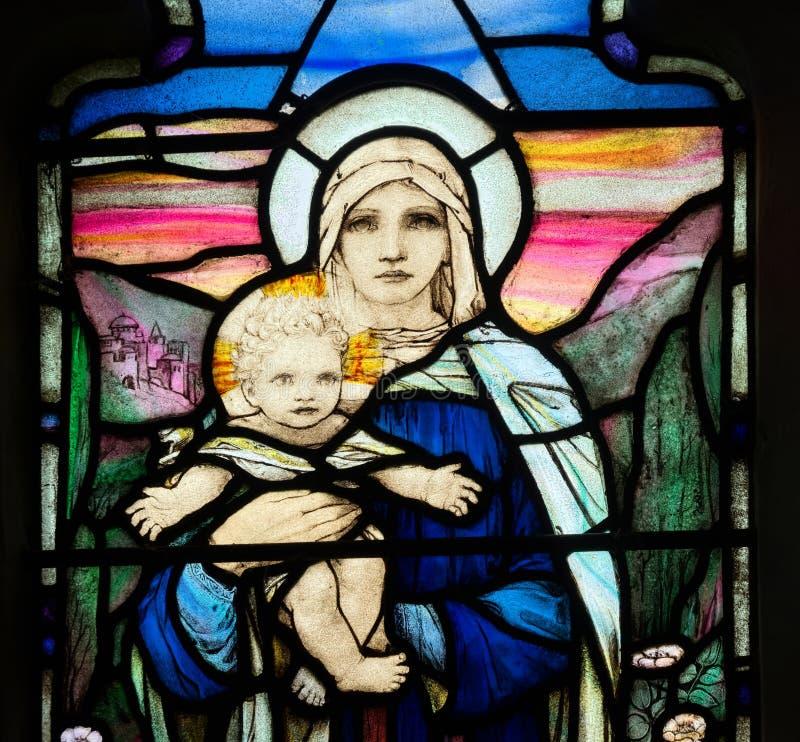 Религиозный витраж Младенец Иисус, дева мария стоковые изображения rf