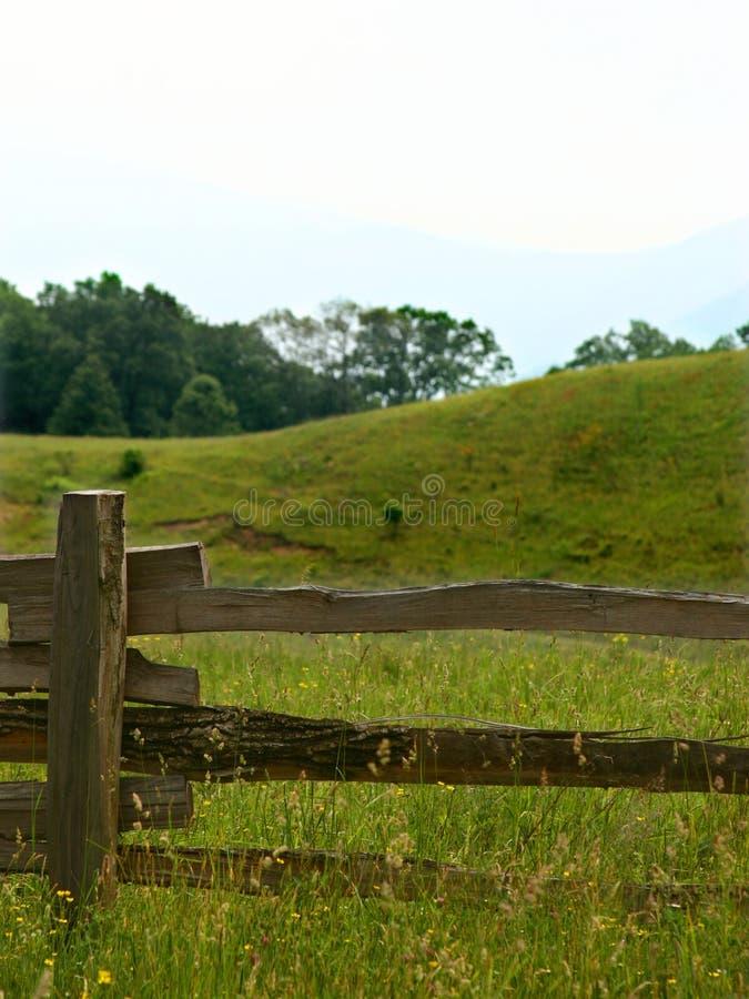 рельс загородки деревенский стоковое изображение