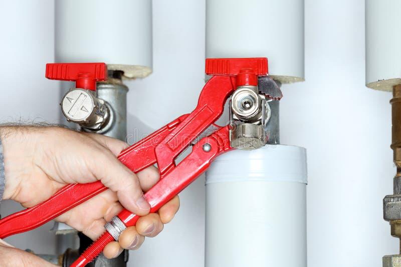 Ремонтировать клапан стоковая фотография rf