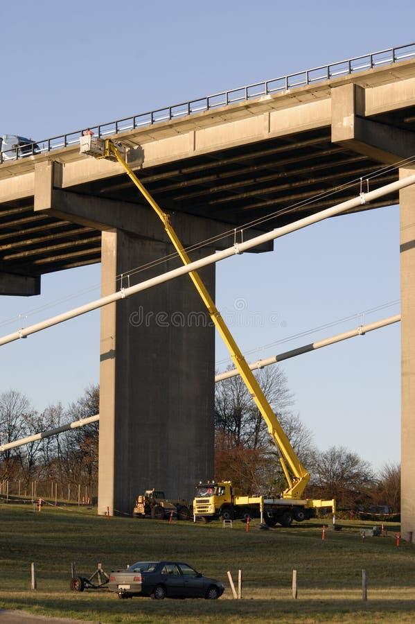 ремонты моста вниз стоковое фото