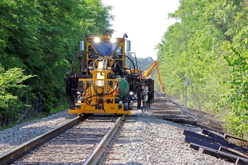 Ремонт железнодорожного пути стоковые изображения