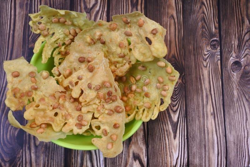 Ремпеек, жареный арахисовый крекеры стоковые фото