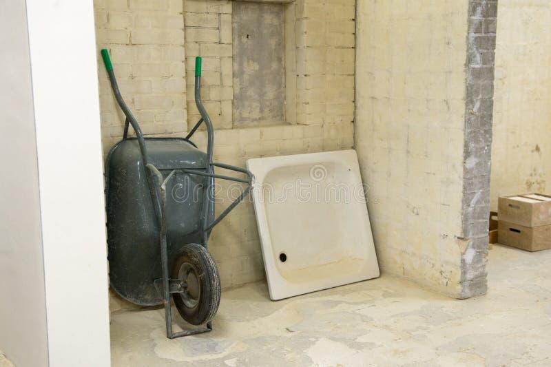 Download Реновация ванной комнаты стоковое изображение. изображение насчитывающей возобновите - 40583137