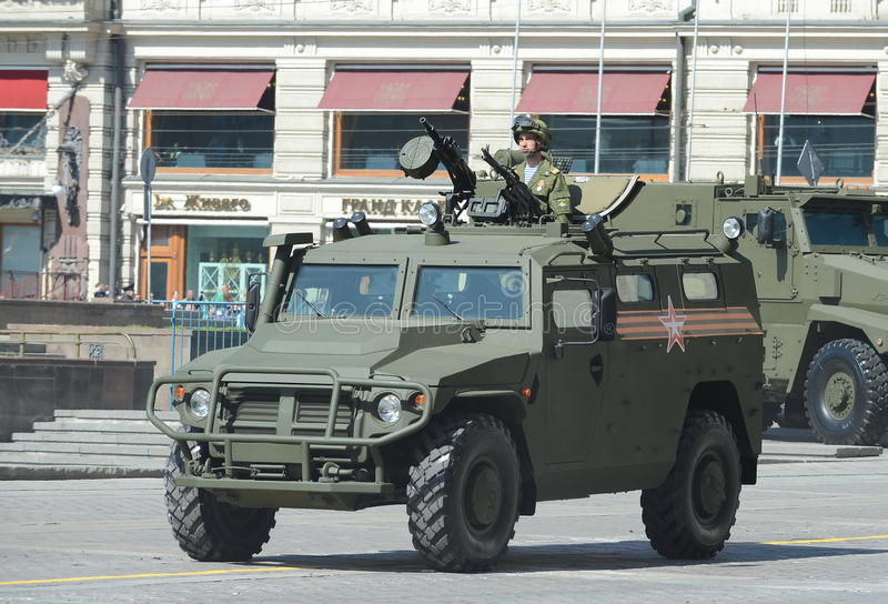 Репетиция парада в честь дня победы в Москве GAZ Tigr русское 4x4, универсальная, вездеходная подвижность пехоты стоковое изображение rf