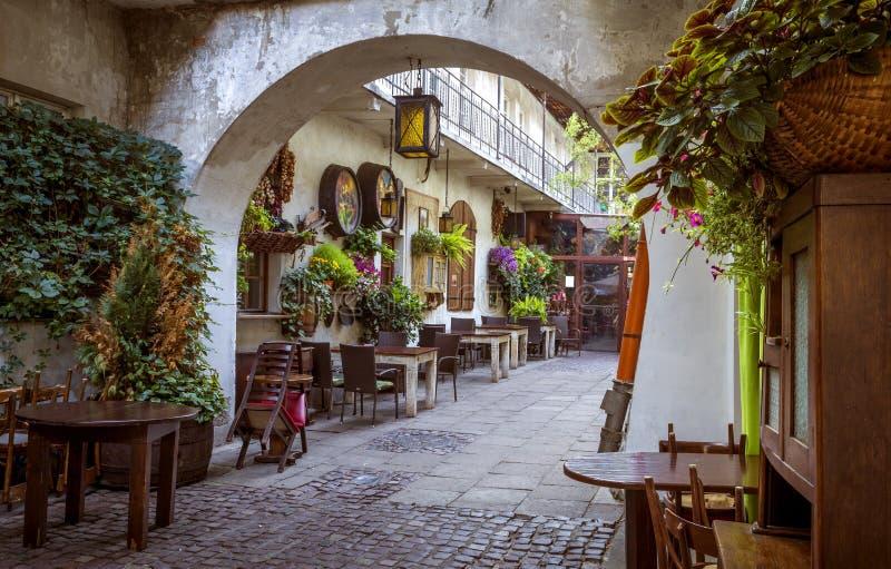 Ресторан в еврейском квартале района Kazimierz в Кракове стоковая фотография