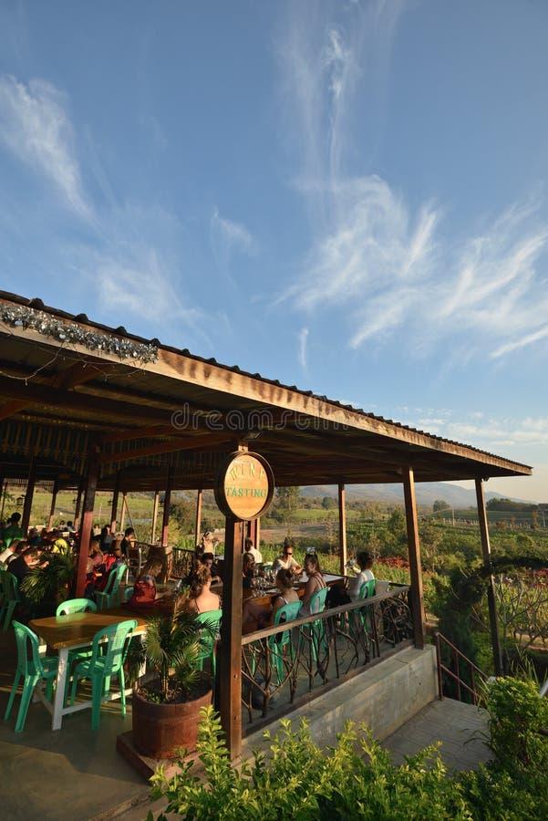 Ресторан деревни озера Мьянм Inle стоковое изображение rf