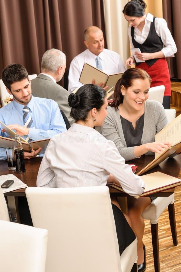 ресторан меню обеда взгляда руководителей бизнеса стоковое изображение rf