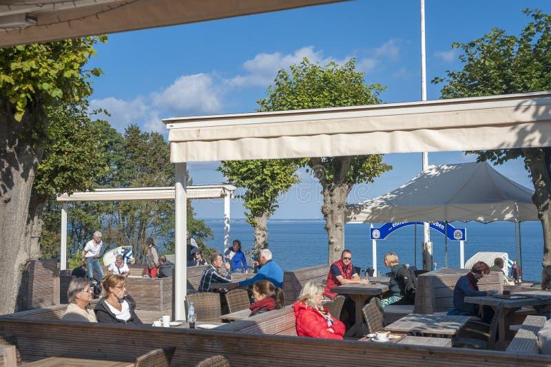 Ресторан на побережье Brodtener крутом около nde ¼ Travemà стоковая фотография