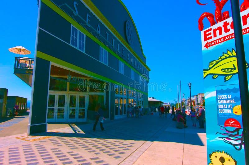 Ресторан портового района Сиэтл с иконическим; Открытый рынок, Сиэтл, Вашингтон, mai 5 США, 2019 стоковые изображения rf