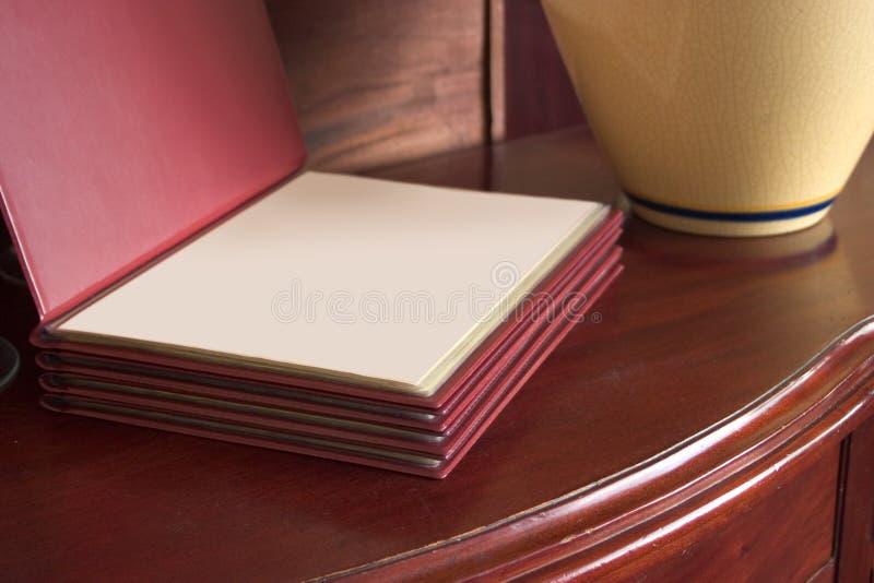 ресторан раскрытый меню стоковое фото