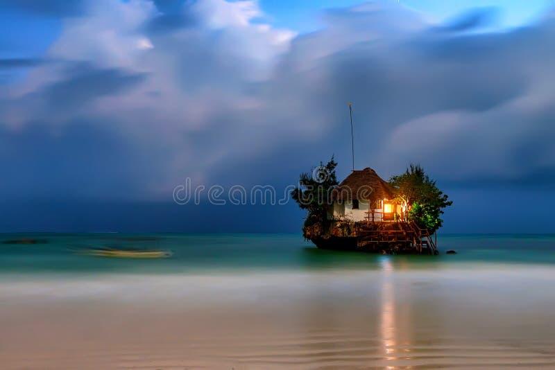 Ресторан утеса романтичный стоковая фотография rf