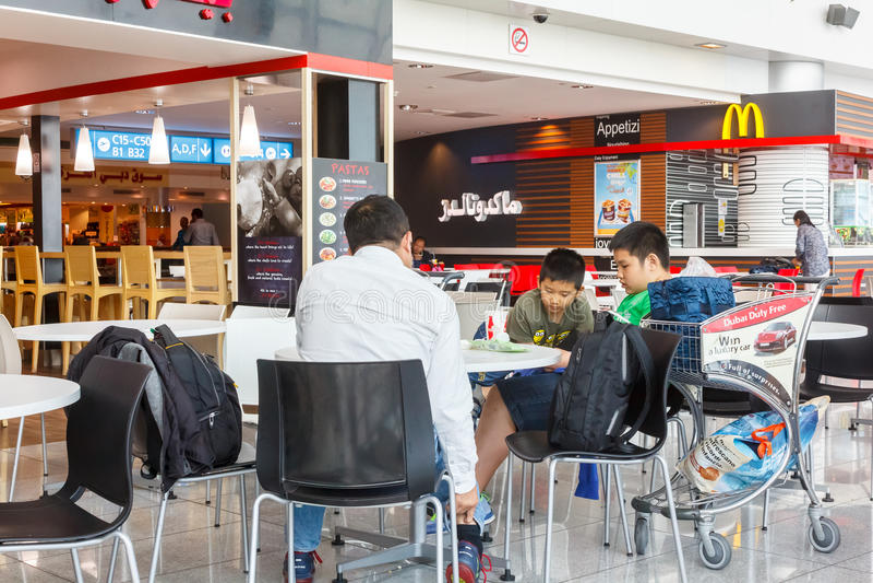 Ресторан фаст-фуда стоковое изображение rf