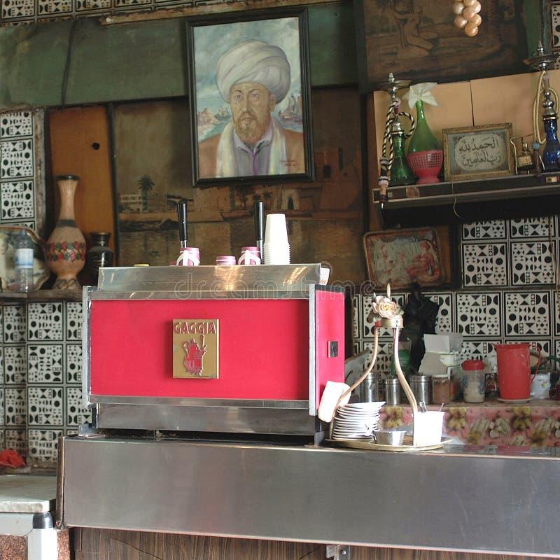 Ретро введенное в моду кафе стоковые изображения