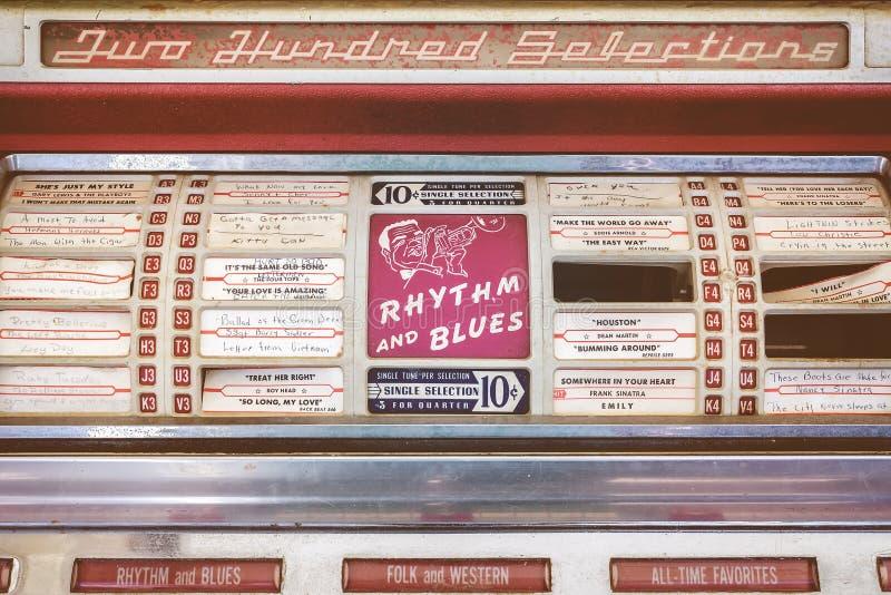 Ретро введенное в моду изображение старого музыкального автомата стоковое изображение rf
