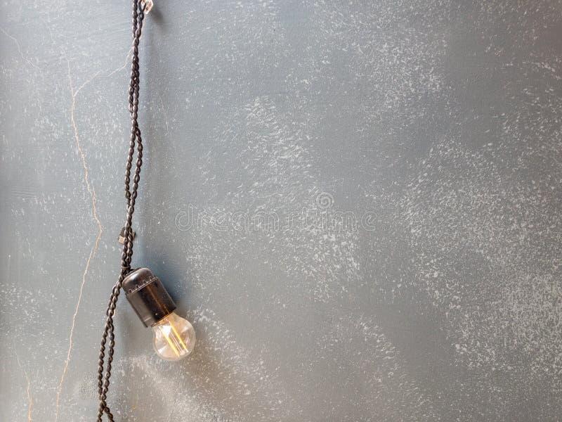Ретро кабель на cratched старой стене стоковое фото rf