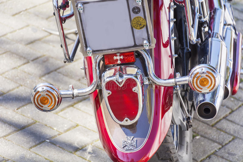 Ретро мотоцикл на улице - крупный план стоковые изображения