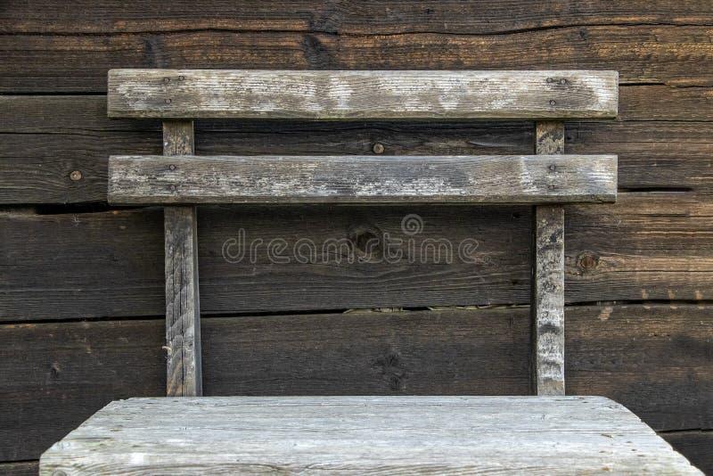 Ретро старый деревянный стул стоковое фото rf