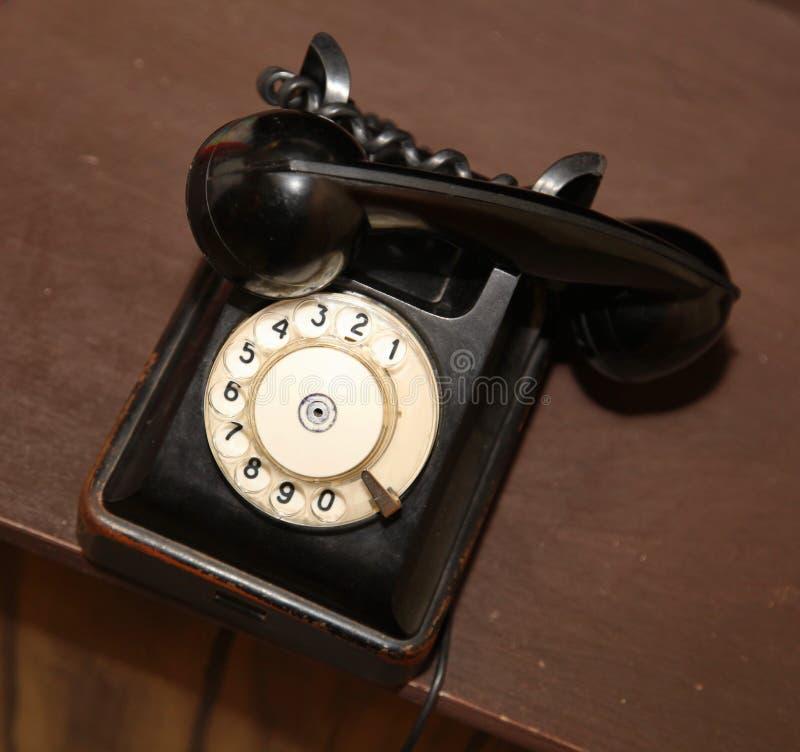 ретро тип старое винтажное черное apparat диска телефона стоковая фотография