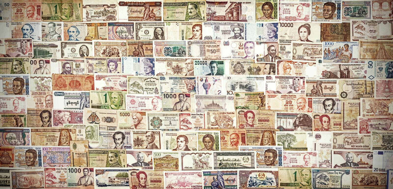 Ретро фильтрованные банкноты от во всем мире стоковое изображение