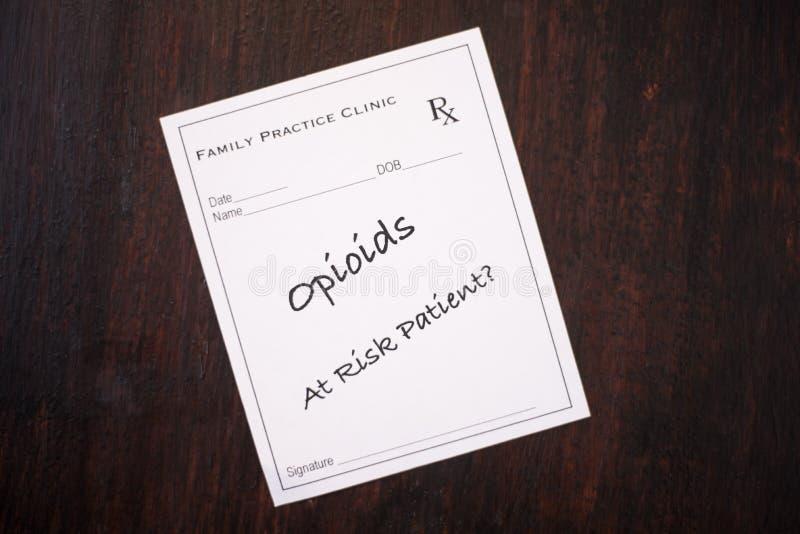Рецепт Opioid - в опасности пациент стоковые фото