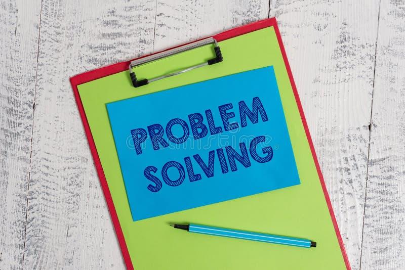 Решение проблем показа знака текста Схематический процесс фото обнаружения решений к трудным или сложным вопросам покрасил стоковое изображение rf