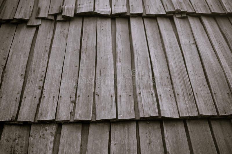 решетины настилают крышу деревянное стоковое фото rf