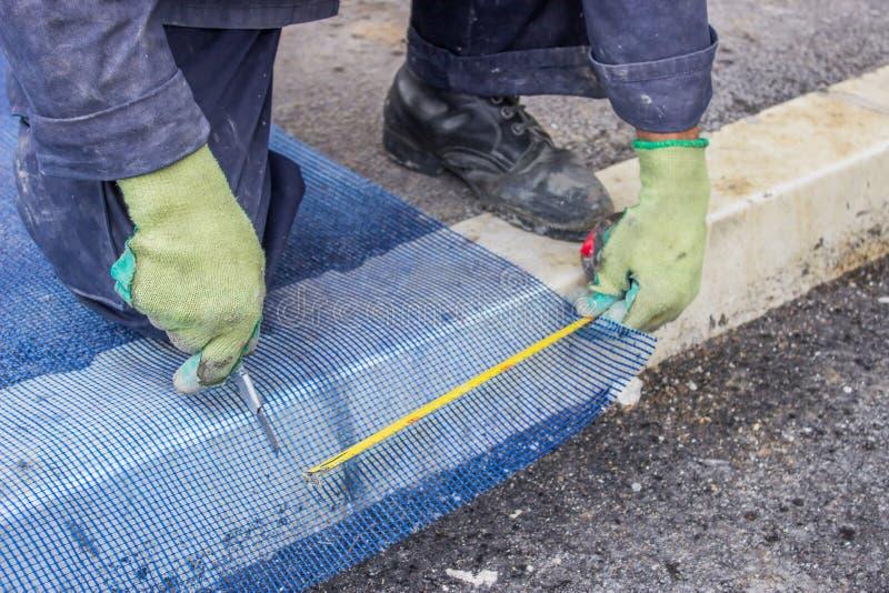 Решетка 3 вырезывания работника здания пластичная стоковые изображения rf
