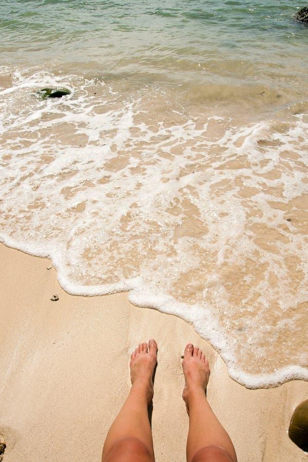 Релаксация на пляже 2 стоковое фото rf