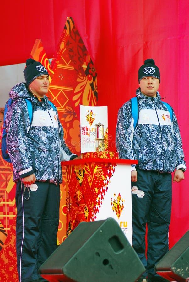 Реле олимпийского пламени в Москве стоковые фотографии rf