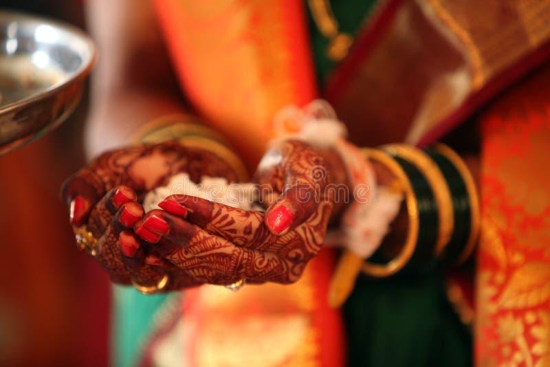Религиозный ритуал свадьбы стоковая фотография rf