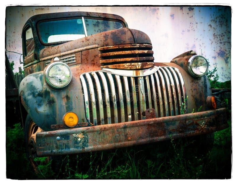 Ржавая старая тележка стоковые фотографии rf