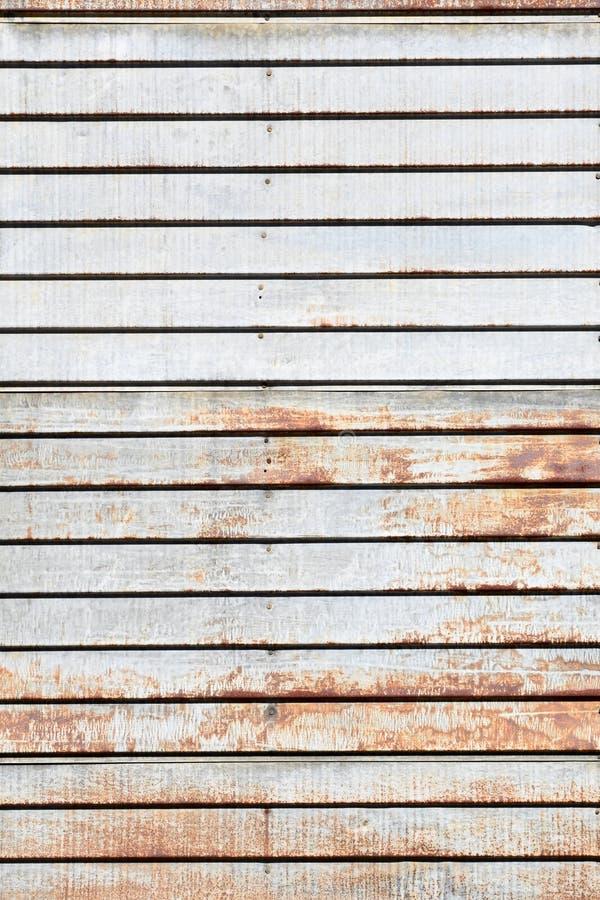 Ржавый винтажный siding металла стоковые изображения rf