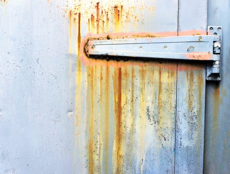 Download Ржавый металлический шарнир на двери Стоковое Изображение - изображение насчитывающей grungy, корозия: 37929595