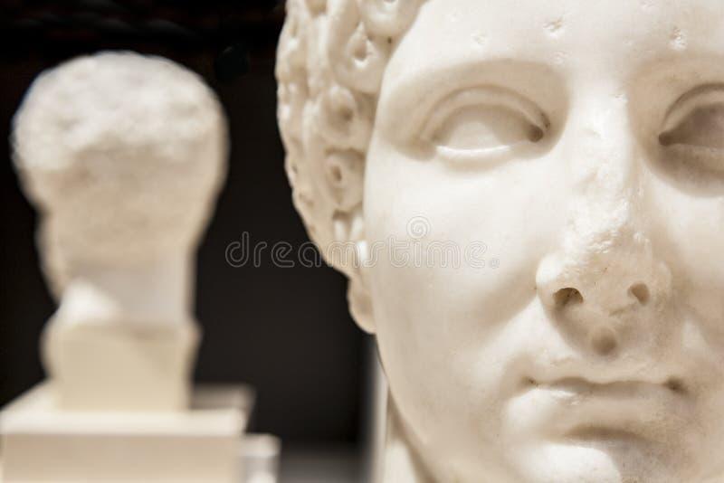 Римская статуя женщины стоковые изображения