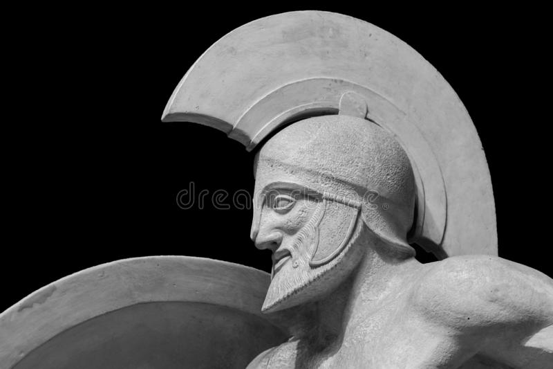 Римская статуя ратника в шлеме стоковое изображение