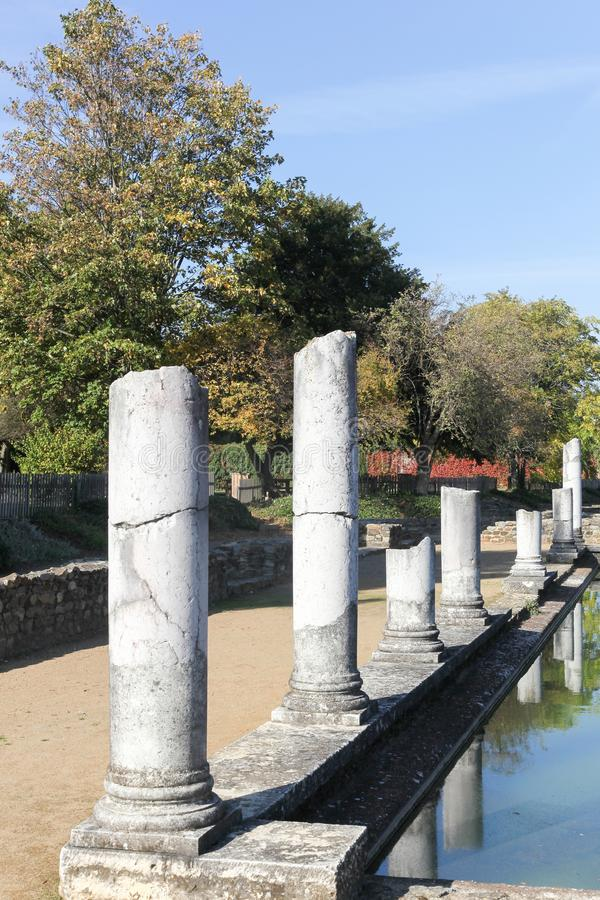 Римские руины в en Gal Romain Святого стоковое фото