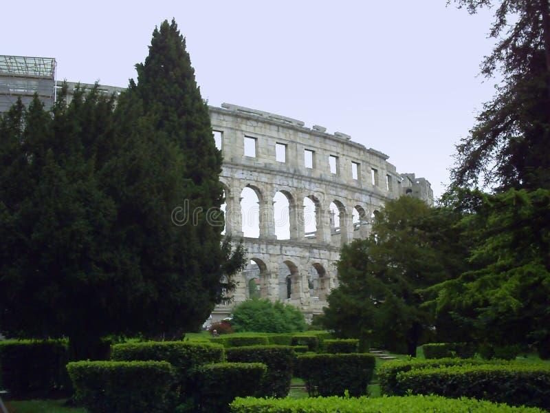 Римский амфитеатр & x28; Arena& x29; в пулах стоковое фото rf