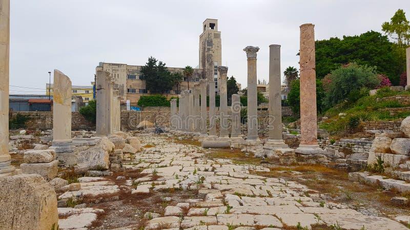 Римский археологический памятник в покрышке Покрышка старый Phoenician город Покрышка, Ливан стоковое фото