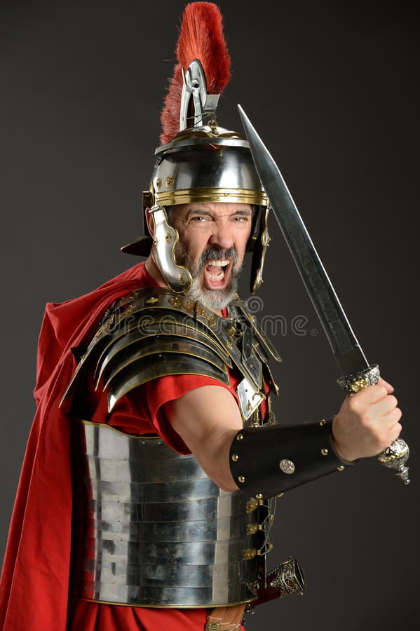 Римский воин с шпагой стоковые изображения