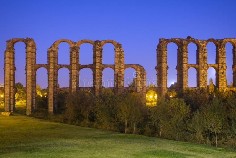 Римский мост-водовод Мериды, Испании стоковая фотография rf