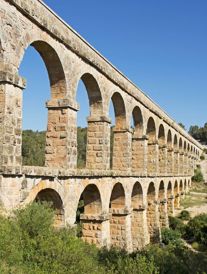 Римский Мост-водовод Pont del Diable в Таррагоне, Испании стоковые изображения rf