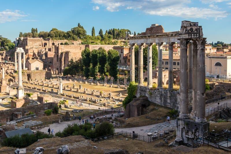 Римский форум от старых времен стоковое изображение rf