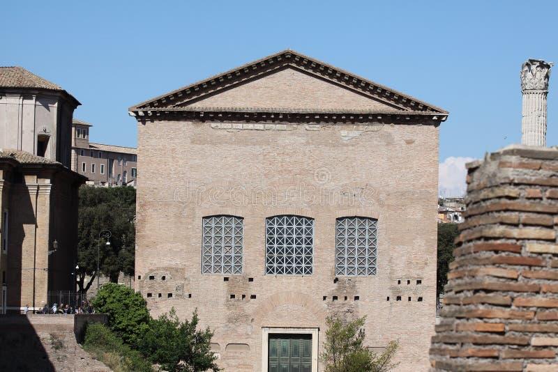 Рим, дом сената в римском форуме стоковое фото