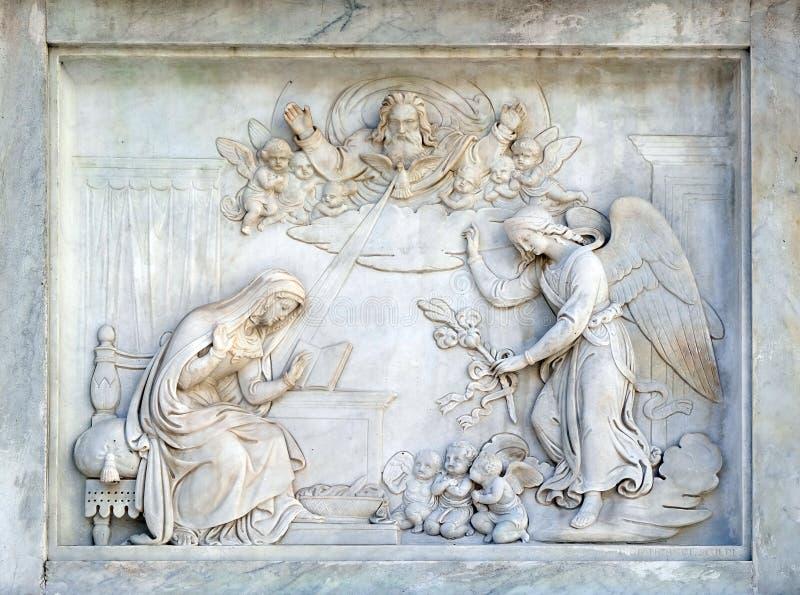 Рим, Италия - 2-ое сентября: Аннунциация девой марии на столбце непорочного зачатия на аркаде Mignanelli стоковое изображение