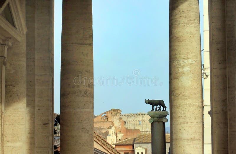 Рим, Италия - волк Capitoline стоковая фотография