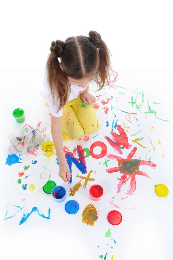 рисует девушку немного стоковые изображения